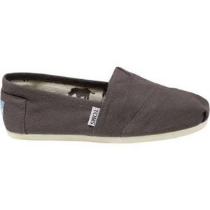 Toms classic canvas. Size 9.5. Worn once